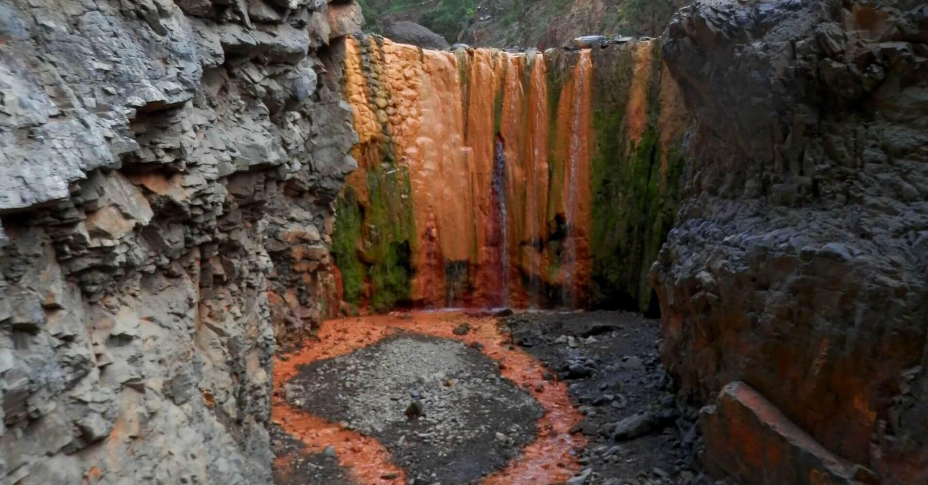 Cascada de Colores. Parque Nacional de La Caldera de Taburiente. La Palma. Islas Canarias.