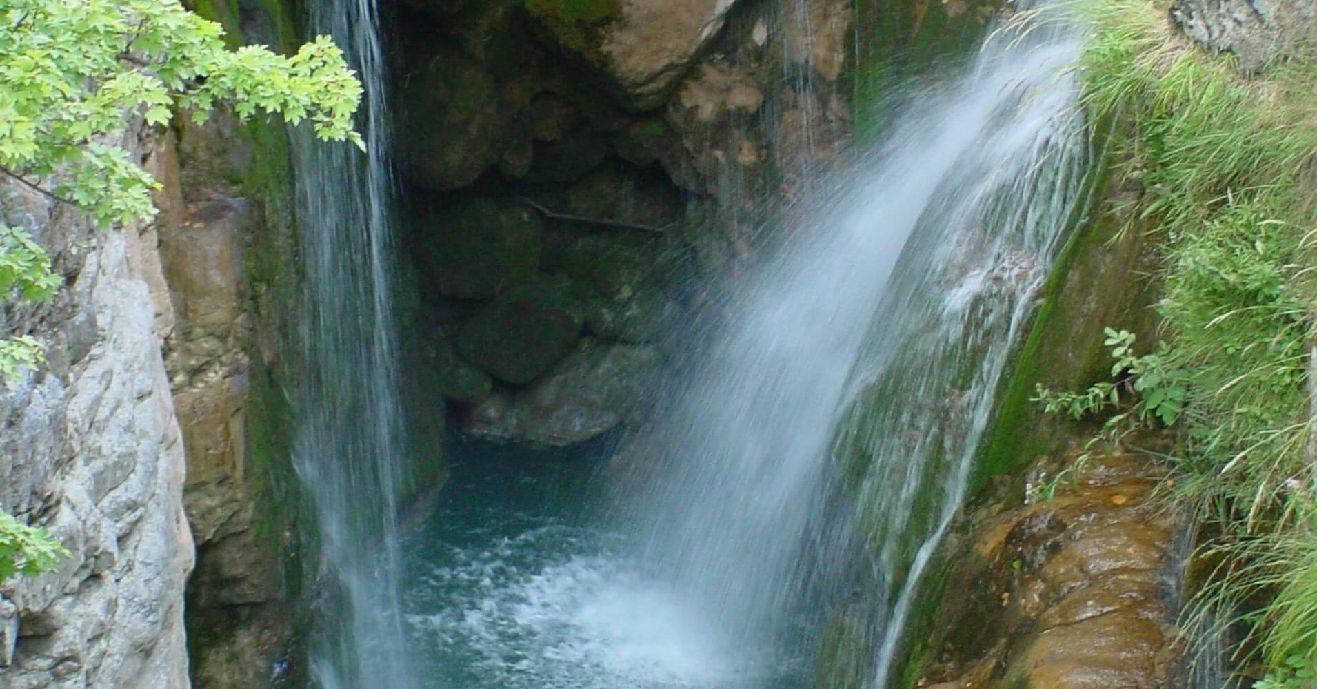 Cascada Molino de Aso. cañón de Añisclo. Parque Nacional de Ordesa. Huesca.
