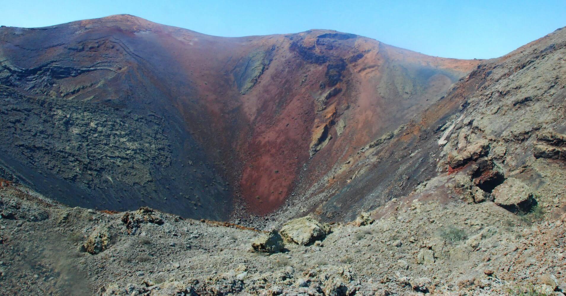 Cráter Volcán Parque Nacional de Timanfaya. Lanzarote, Islas Canarias.