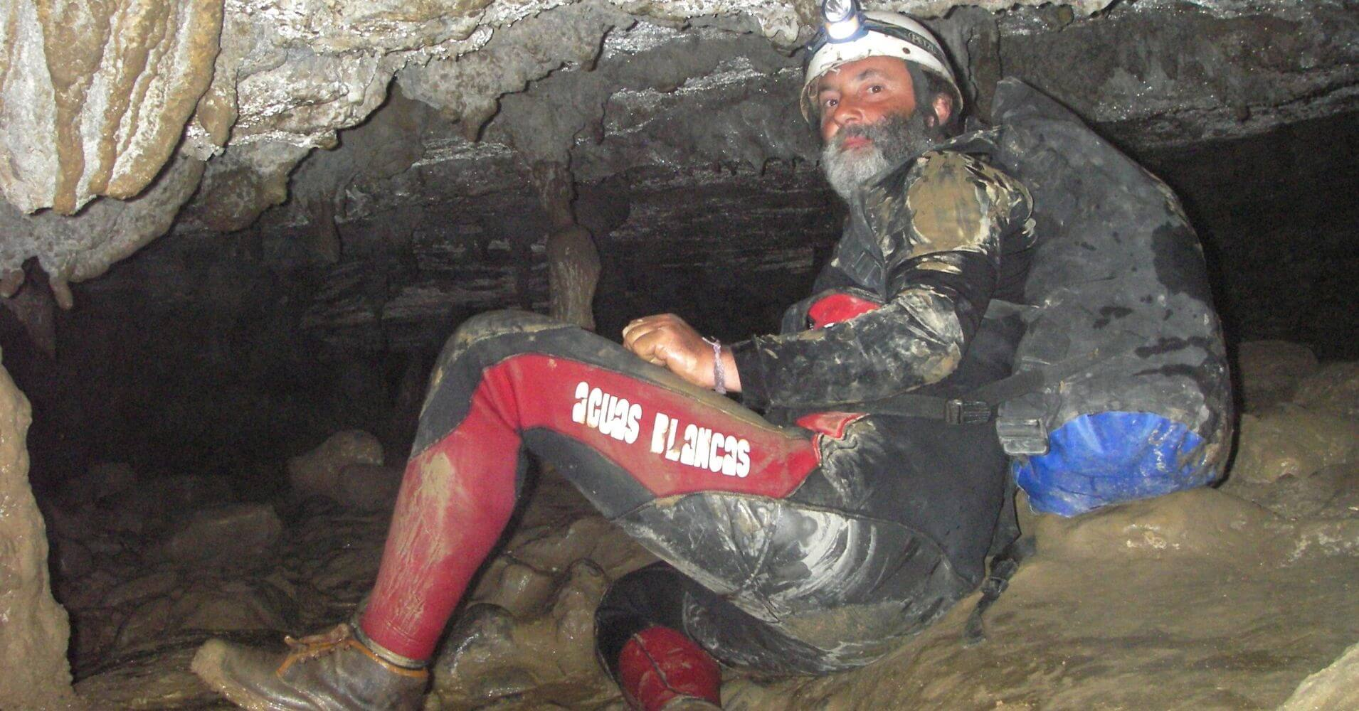 Cueva del Moro. Huesca. Aguas Blancas.