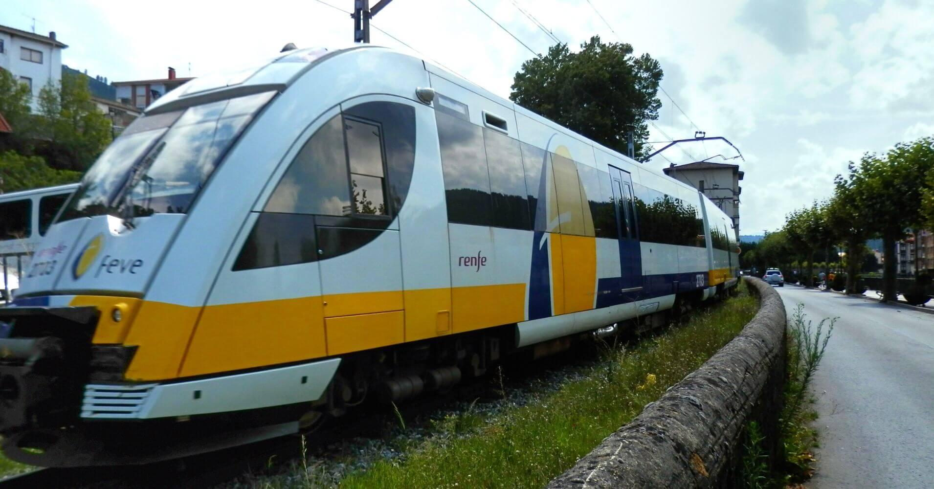 Estación de Valmaseda. Viaje en Tren en el Expreso de la Robla. País Vasco.