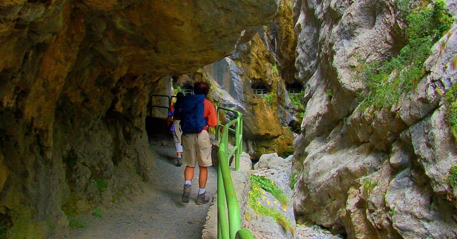 Túneles de la Ruta del Cares, Puente de los Rebecos. Caín, León.