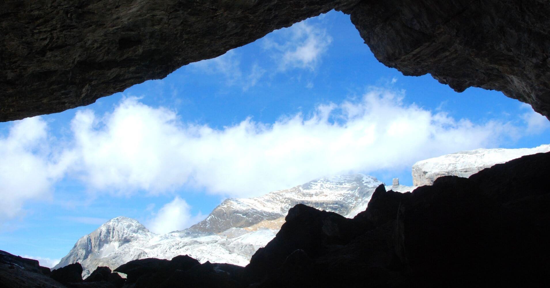 Gruta Helada de Casteret. Parque Nacional de Ordesa y Monte Perdido. Huesca.