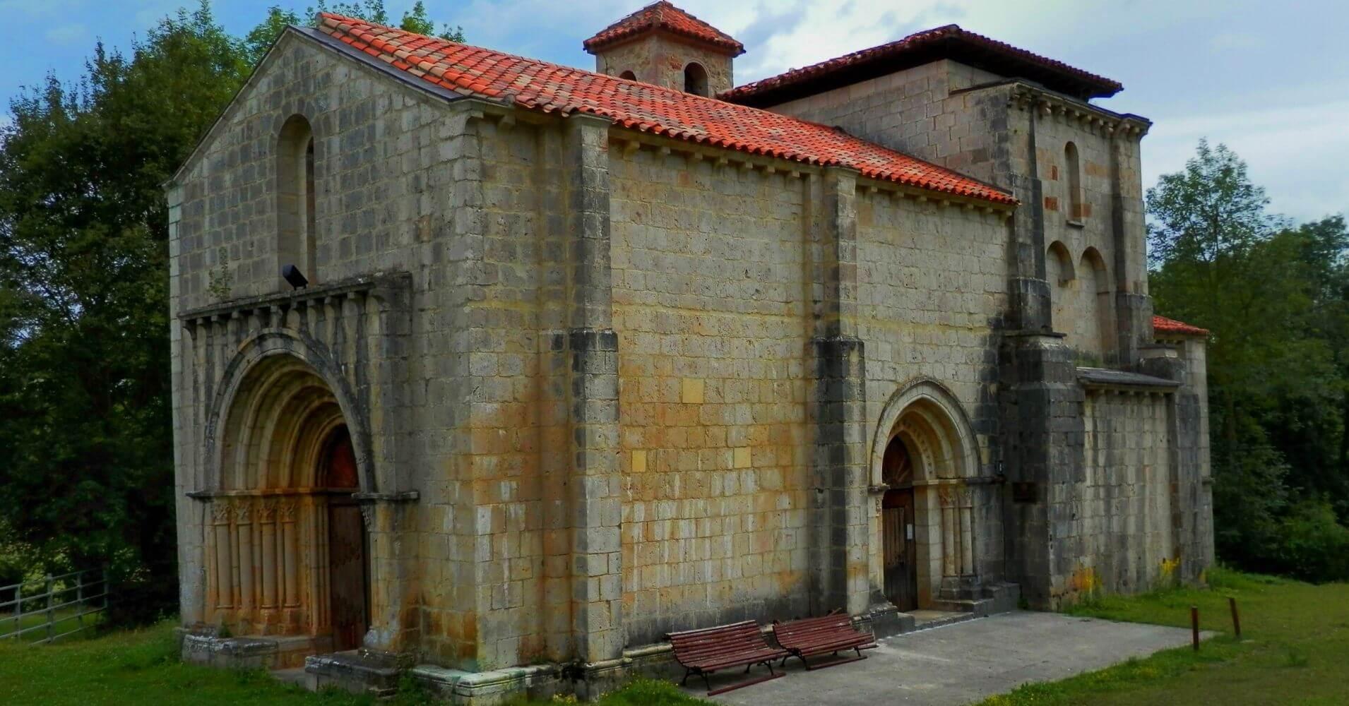 Iglesia Románica de Santa María de Siones. Expreso de la Robla. Valle de Mena. Burgos, Castilla y León.