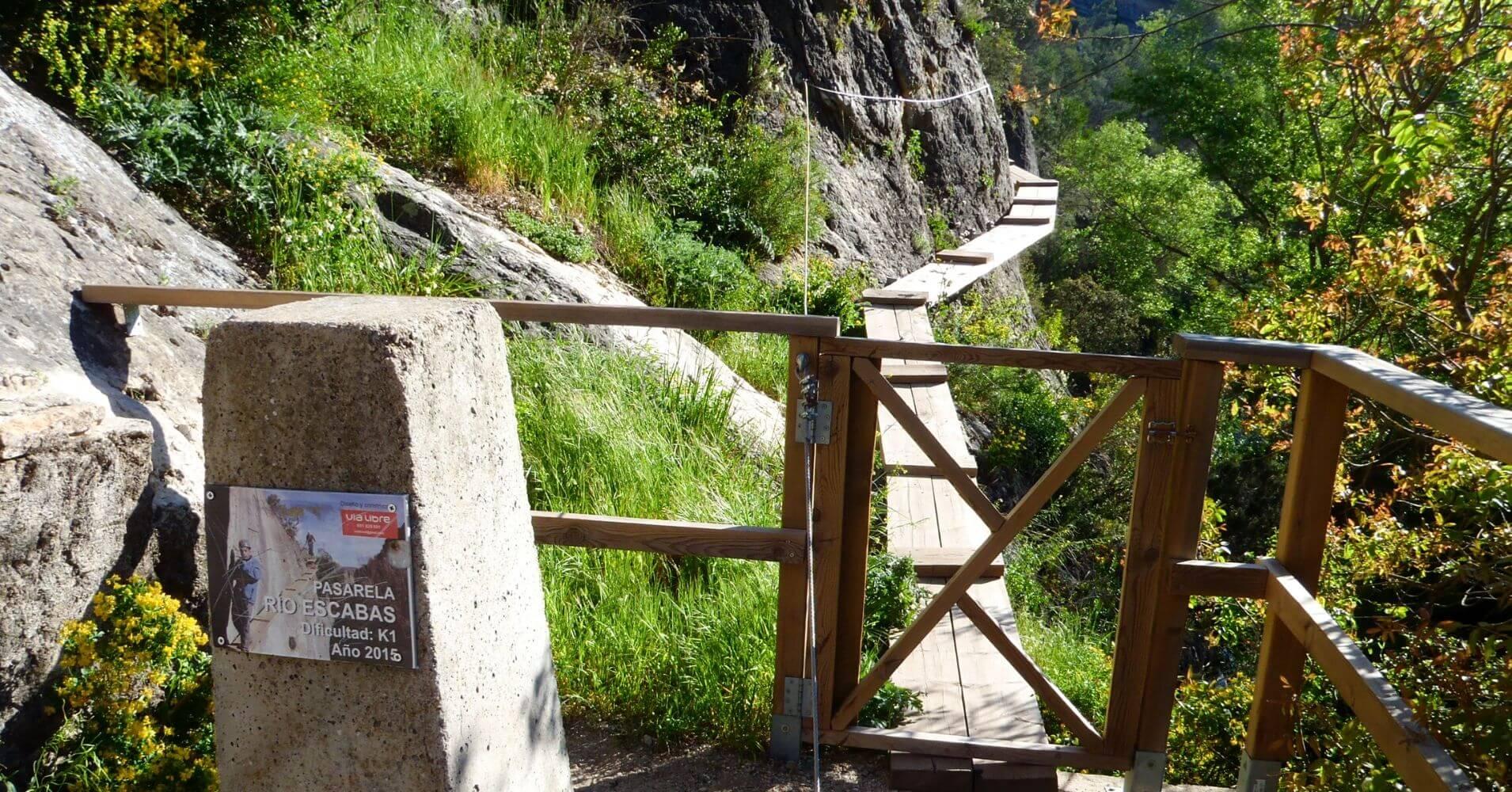 Inicio Camino Equipado de la Pasarela del Río Escabas. Priego, Cuenca. Castilla la Mancha.