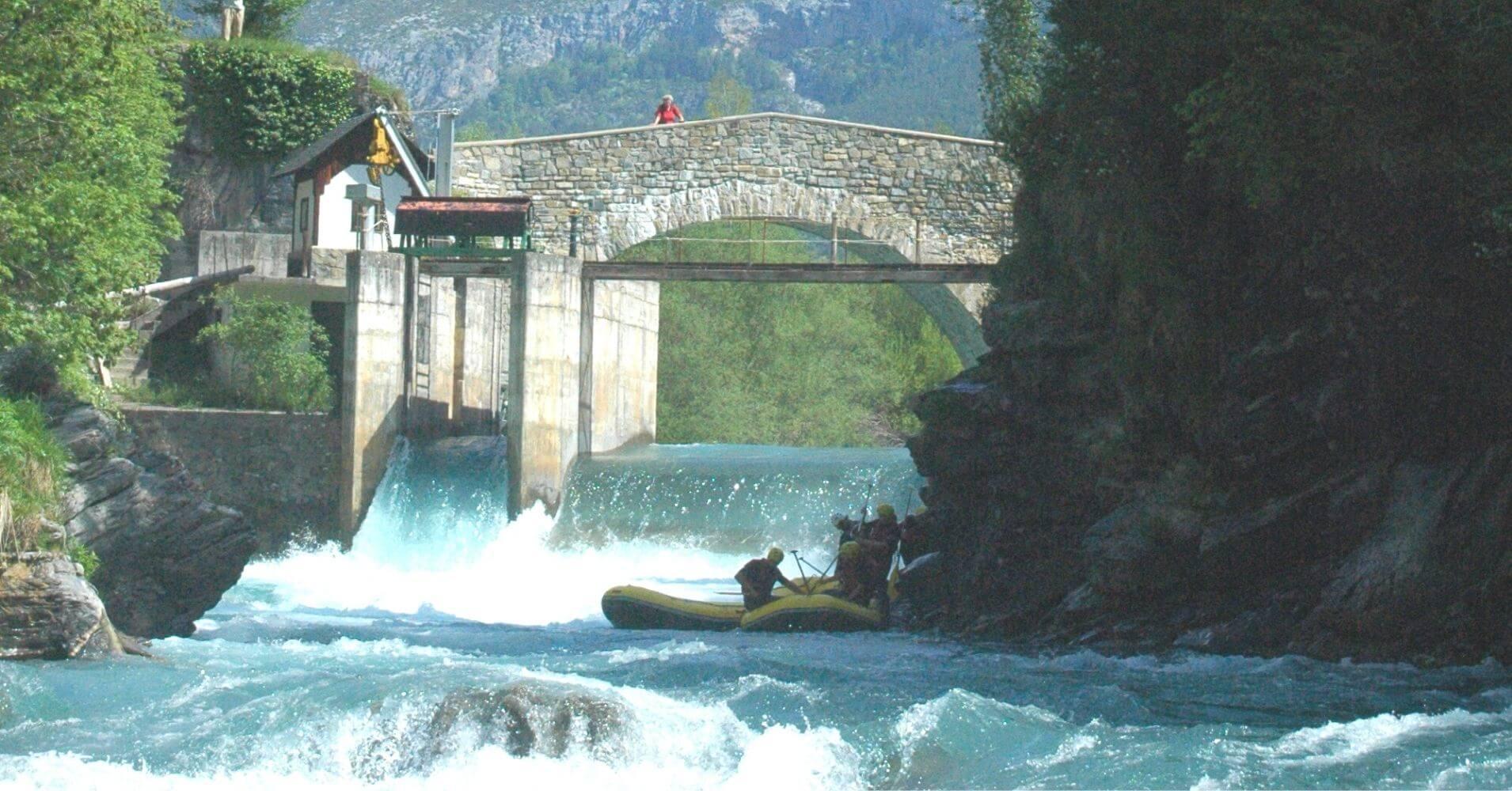 Puente de la Glera. Rafting del Río Ara. Torla. Huesca.