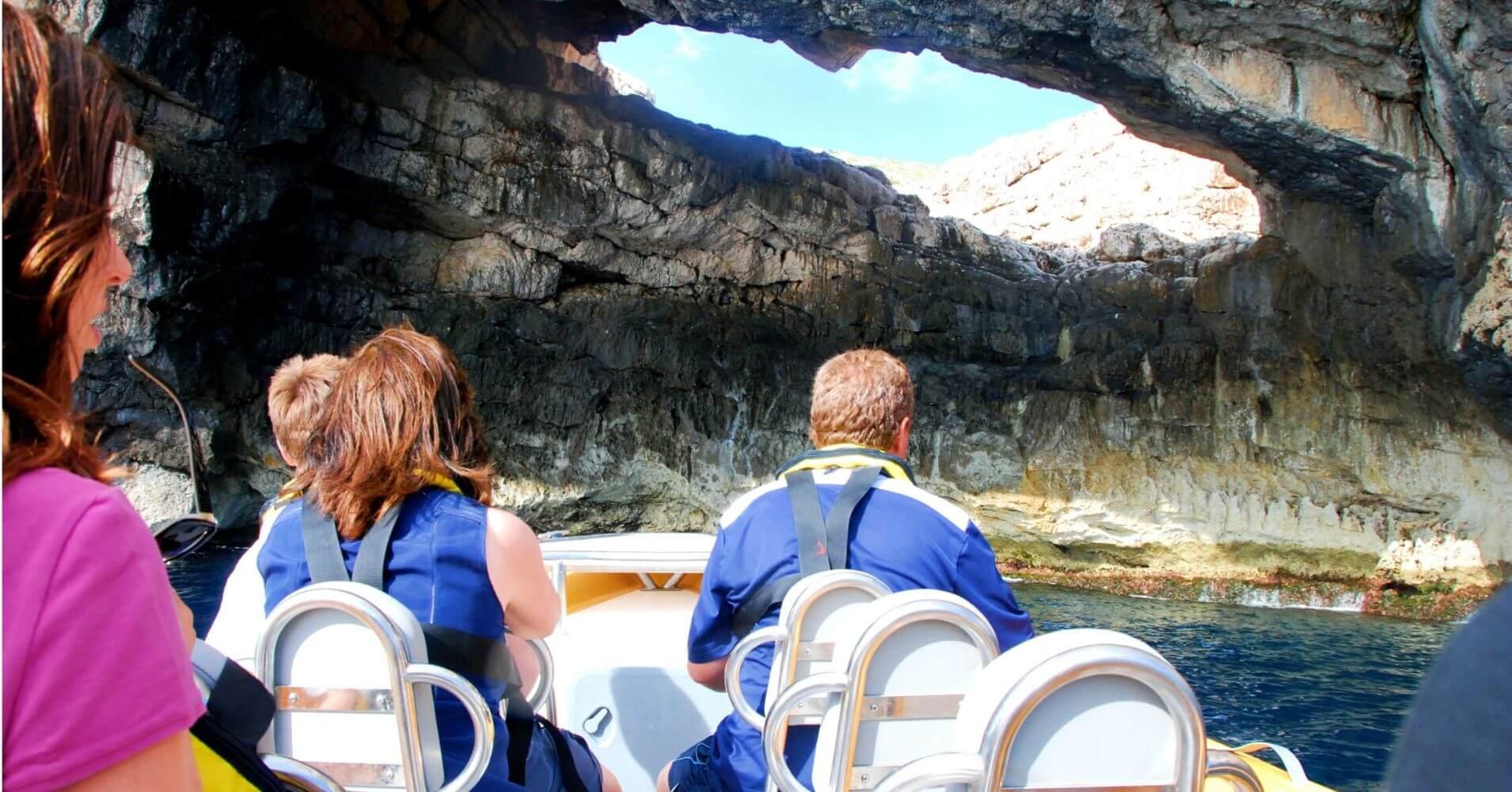 Mar Cabrera Speed Boat en Cabrera. Excursión en Lancha Rápida a La Isla de La Cabrera. Islas Baleares.