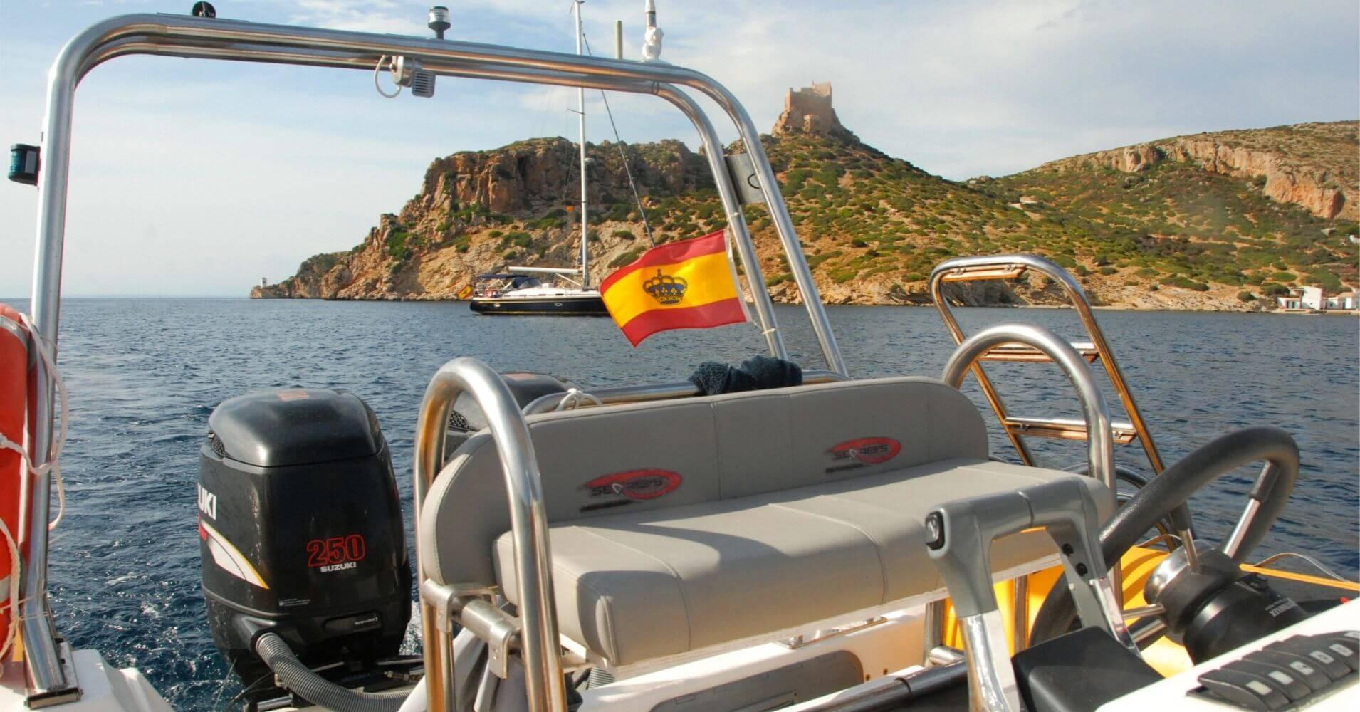 Empresas de Aventura en España. Mar Cabrera Speed Boat. Excursiones en lancha rápida a la Isla de La Cabrera. Islas Baleares.