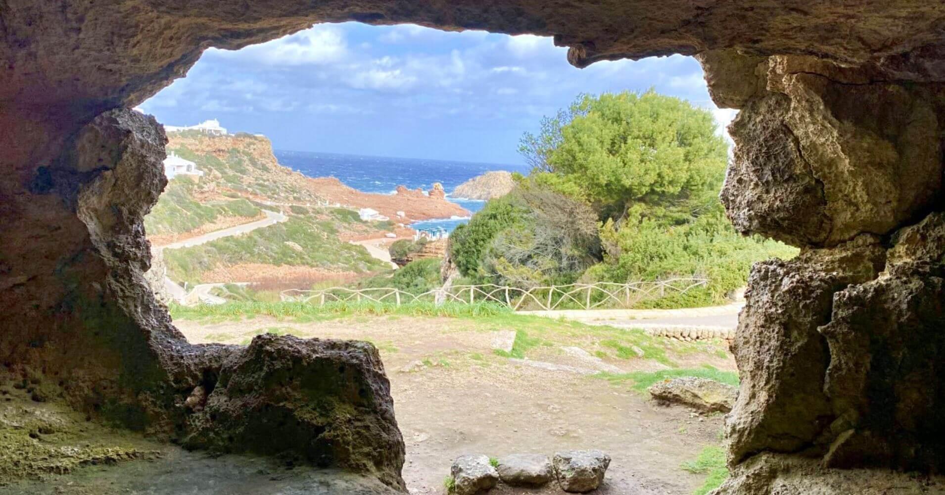 Necrópolis de Cala Morell. Isla de Menorca. Islas Baleares.