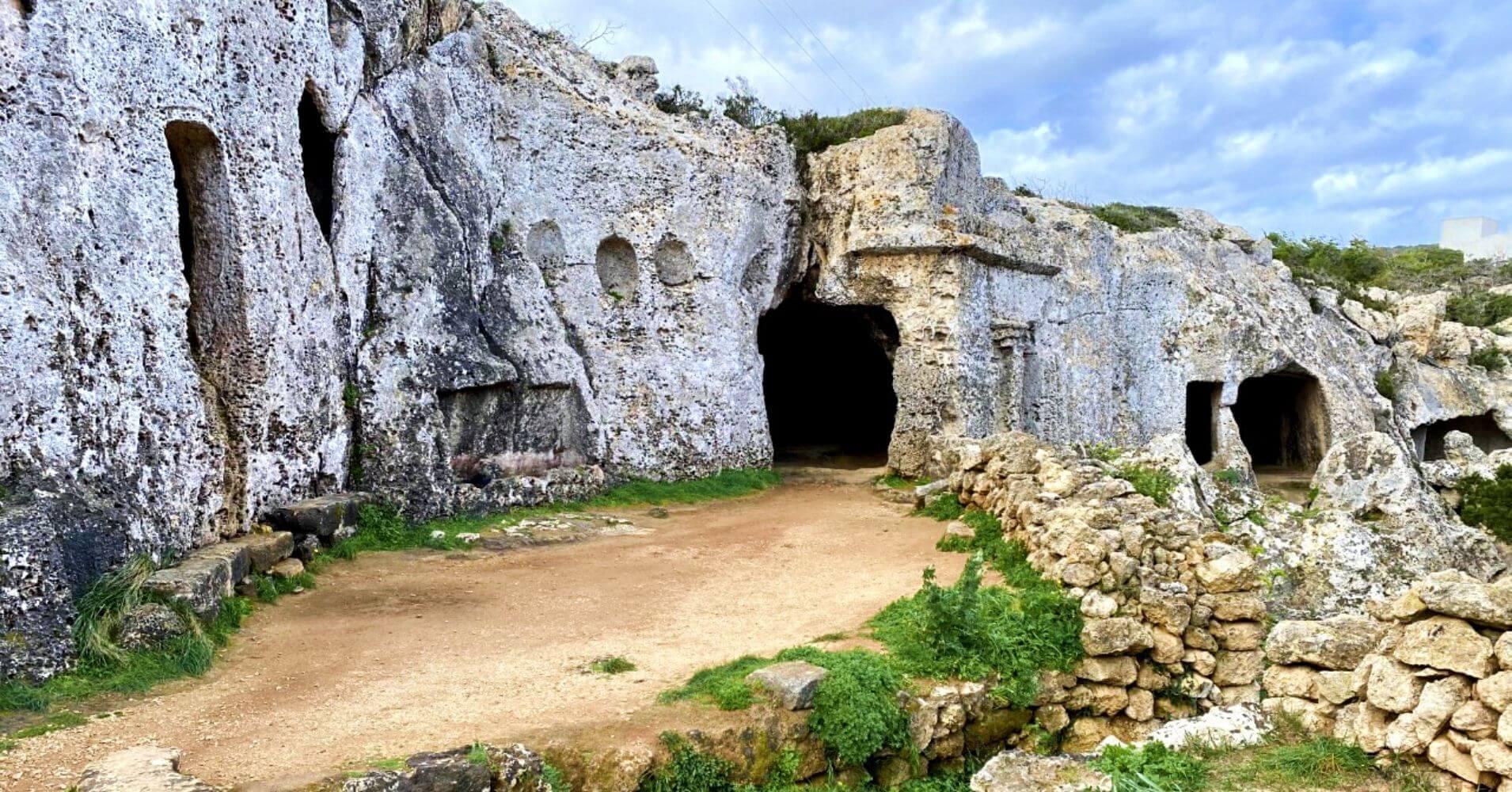 Necrópolis de Cala Morell. isla de Menorca. Baleares.
