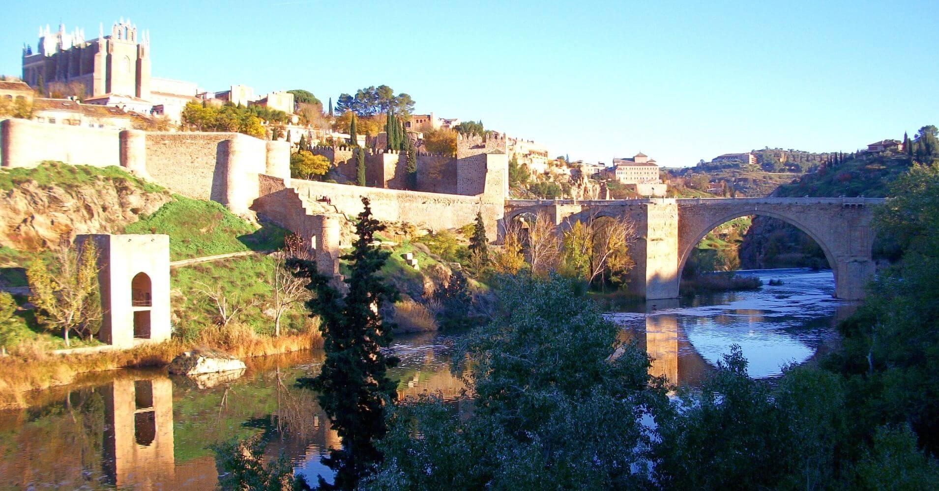 Panorámica del Puente de San Martín. Toledo, Castilla la Mancha.