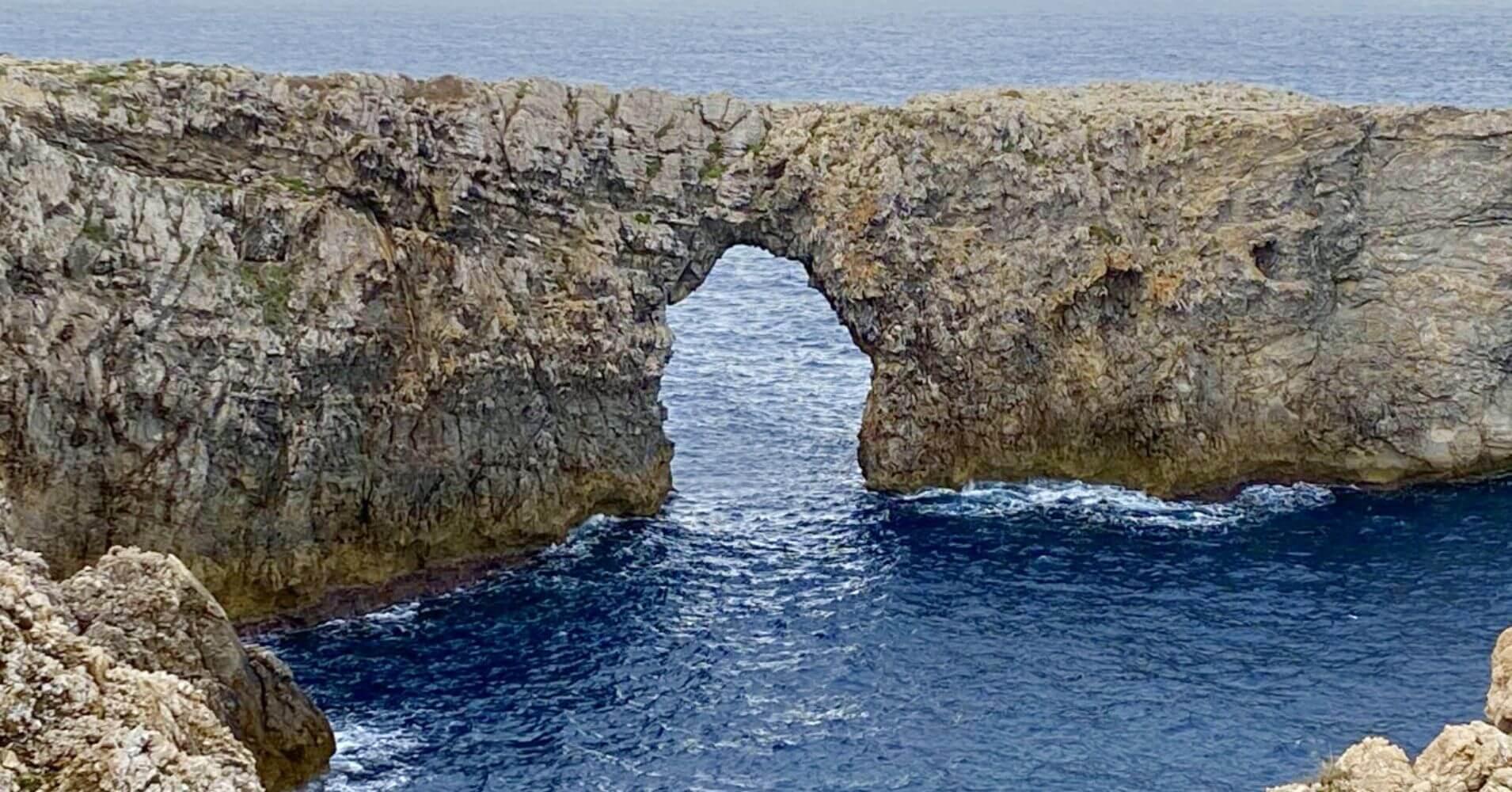 Pont d' en Gil, Menorca. Islas Baleares.