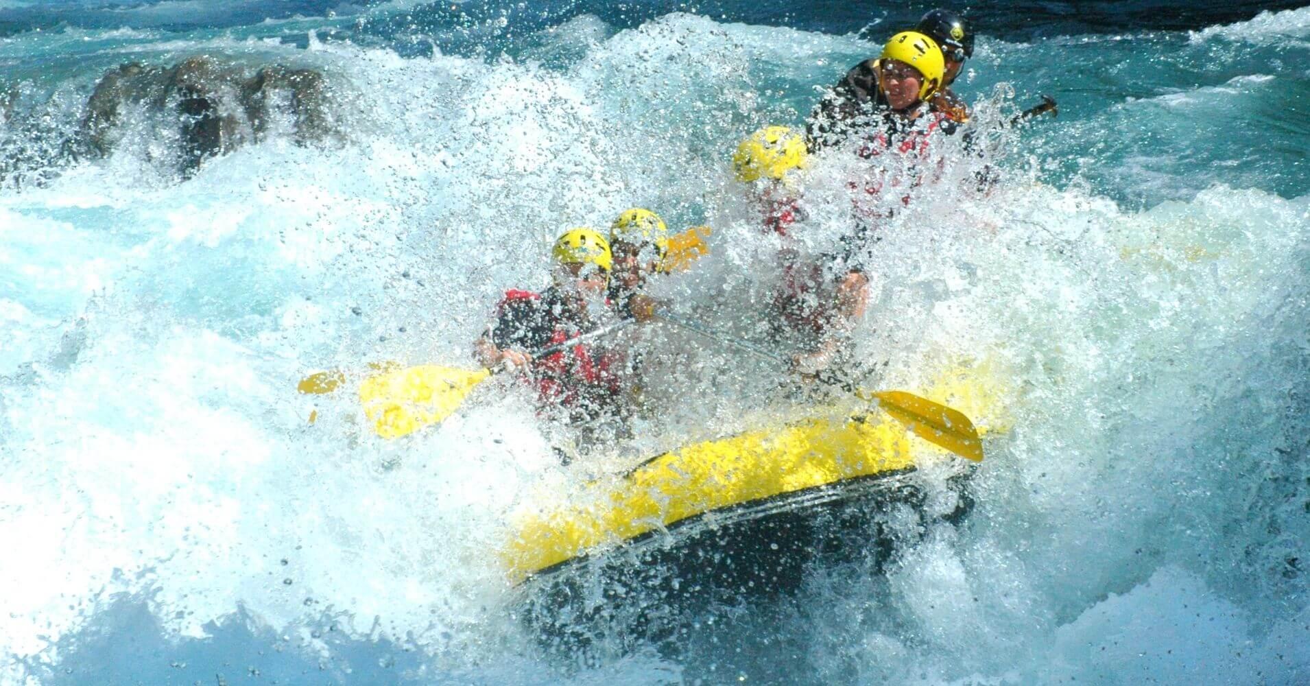 Primer rápido del Rafting del Río Ara. Torla, Huesca.