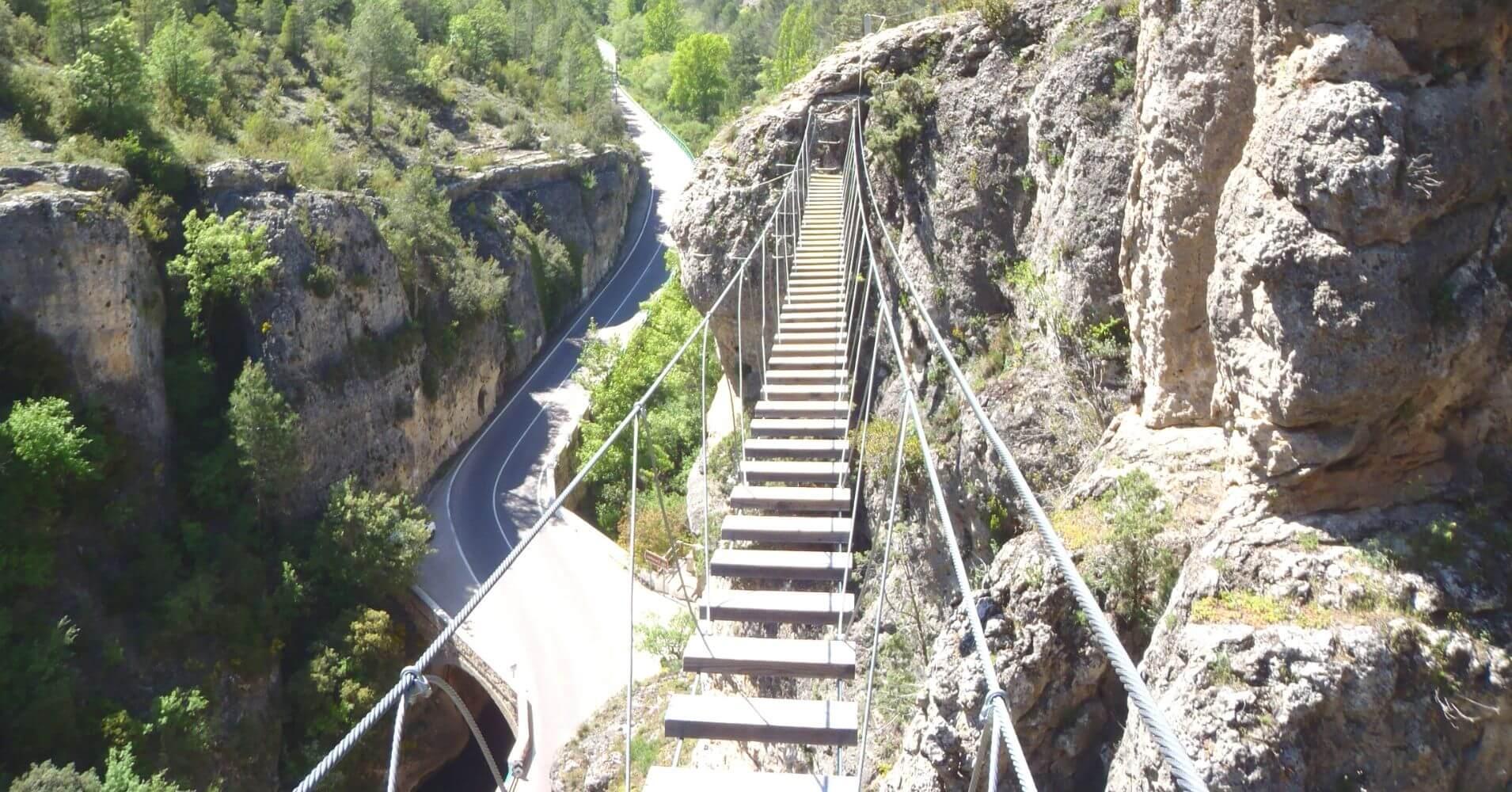 Puente Tibetano de la Ferrata Estrecho de Priego. Cuenca, Castilla la Mancha.