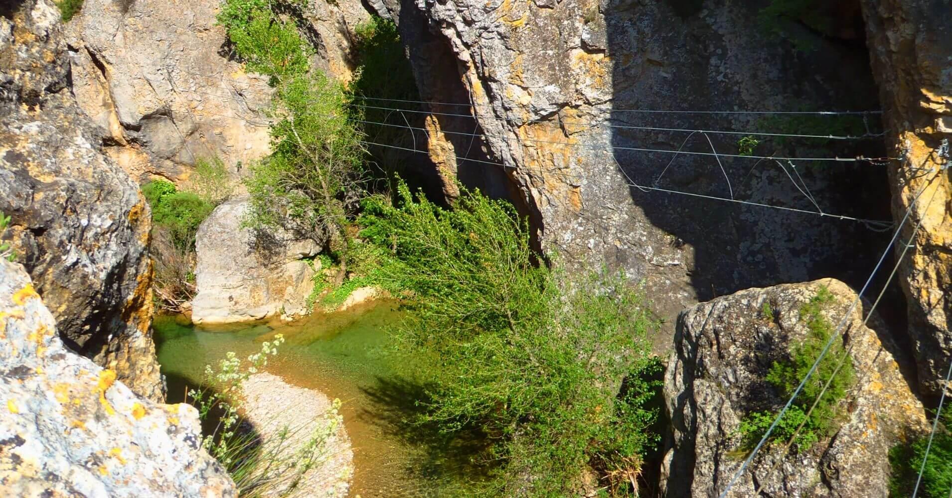Puente Tibetano Ferrata Peñas Juntas. Bierge, Huesca. Aragón.