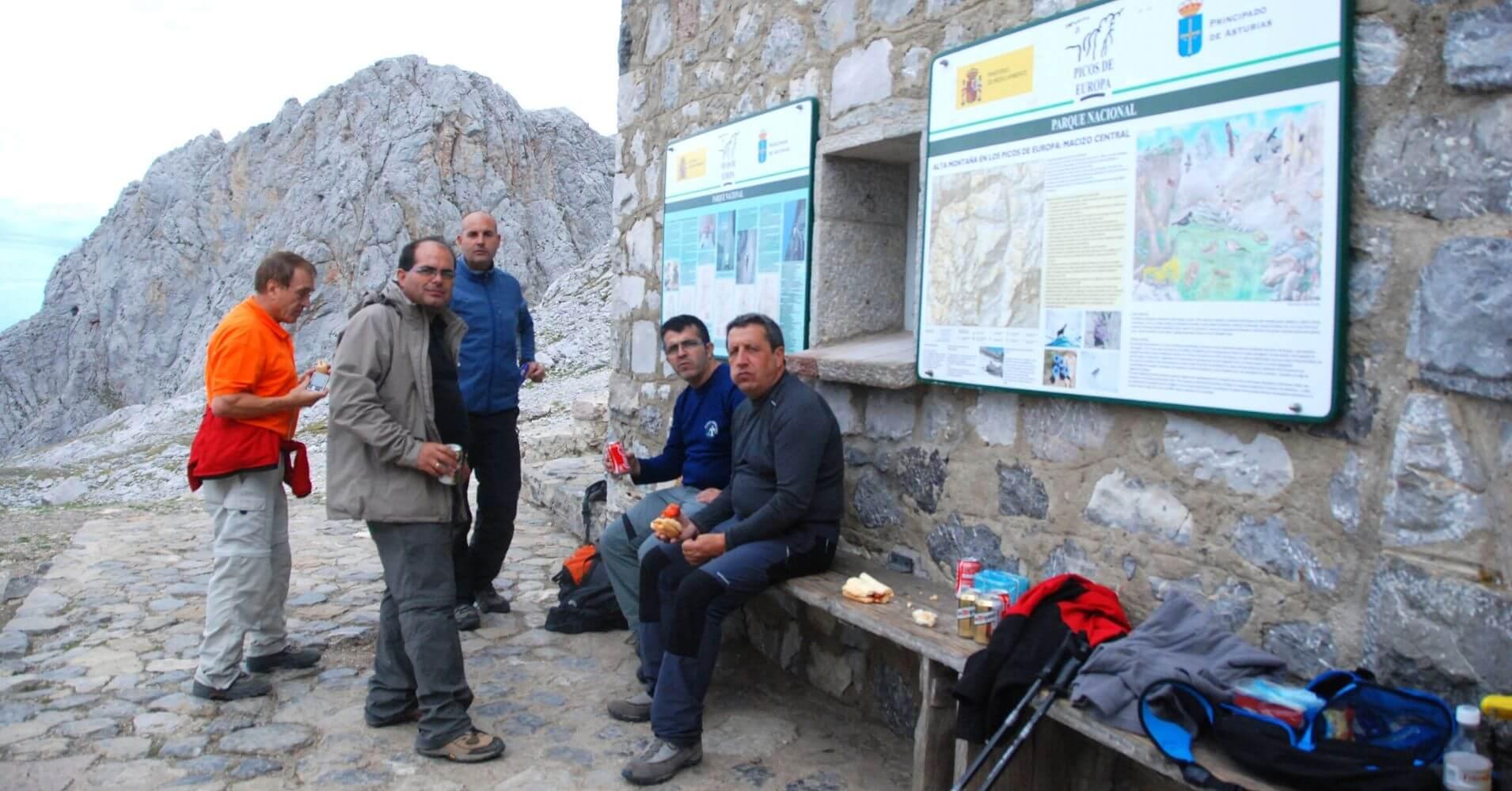 Refugio de Urriellu o Naranjo de Bulnes, Asturias.