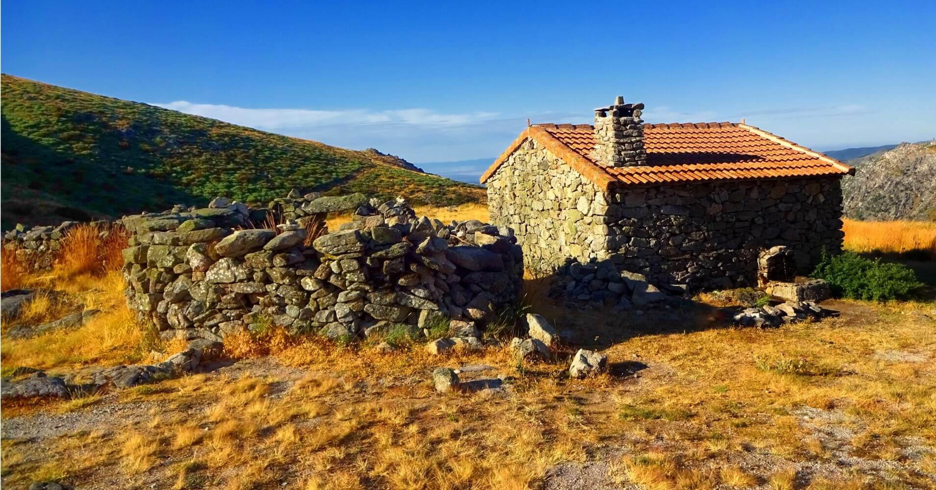 Refugio Majada del Tío Manteca. El Torozo, Sierra de Gredos. Ávila. Castilla y León.