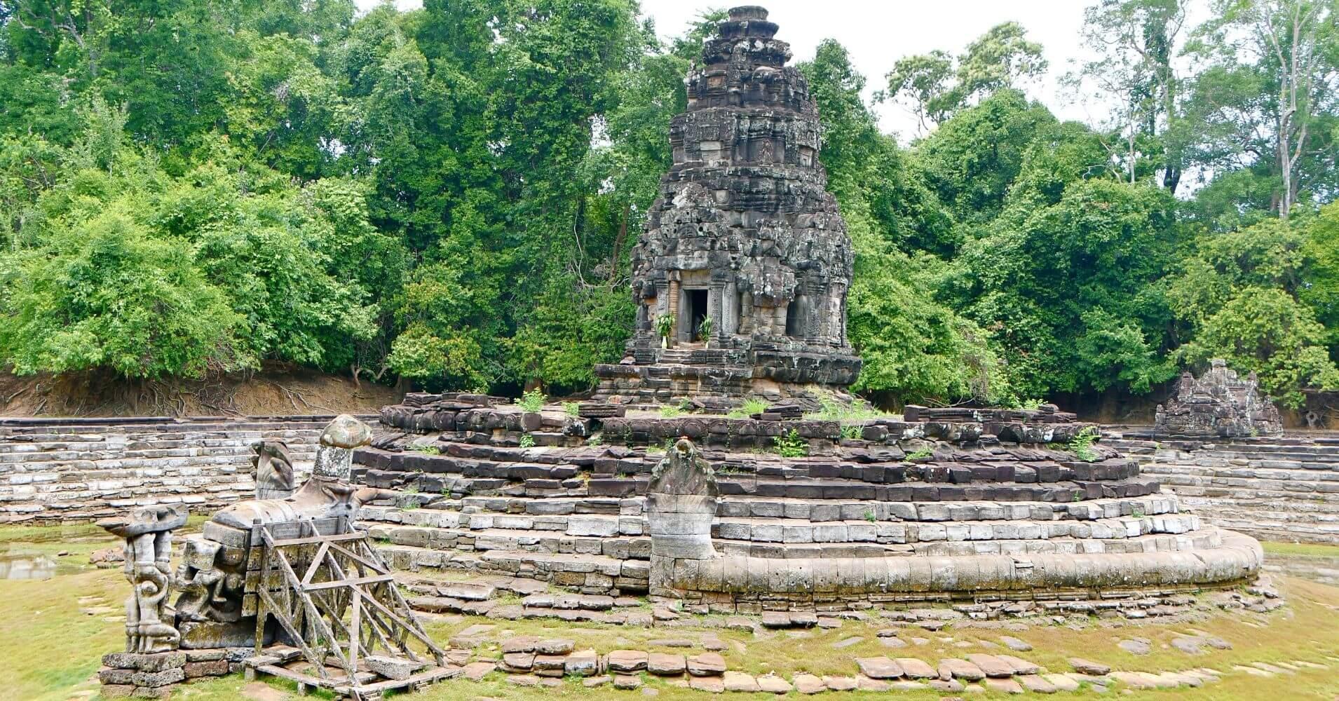Templo de Neak Poan. Templo de las Serpientes Entrelazadas. Siem Reap. Camboya.
