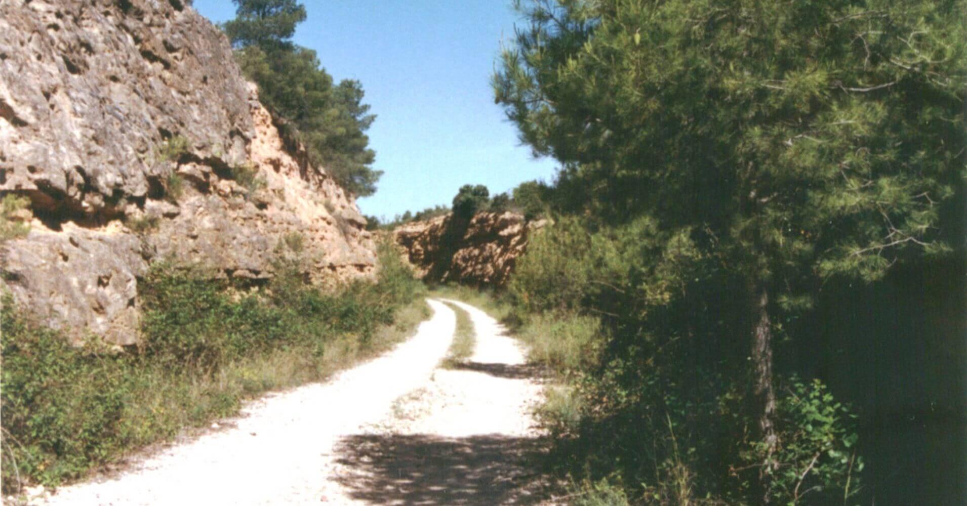 Trinchera camino a Valdetormo. Teruel, Aragón.