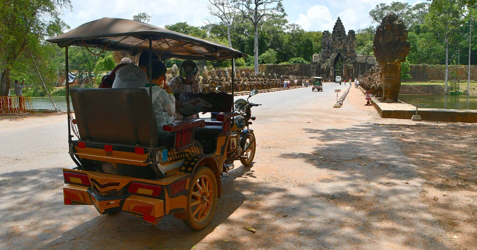 Tuk Tuk en los Templos de Angkor. Siem Reap. Camboya.