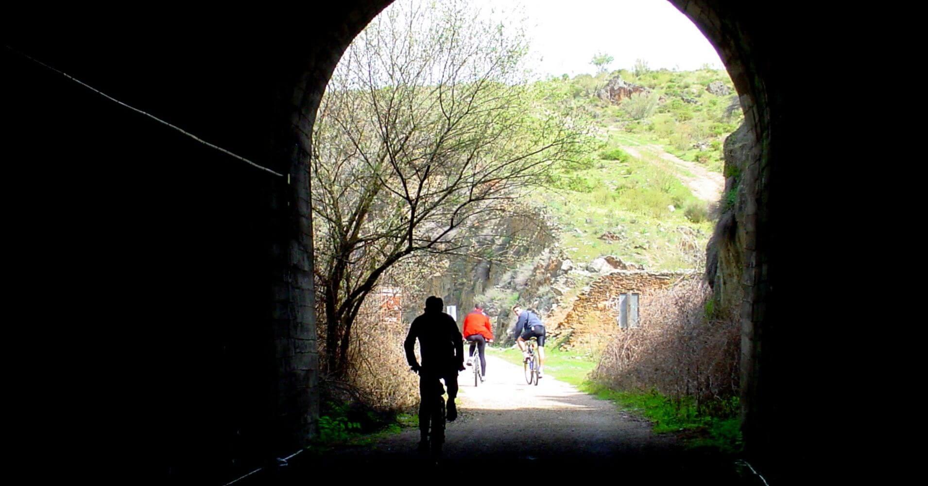Túnel Numero 11 de la Vía Verde de Calera y Chozas. Toledo. Castilla la Mancha.