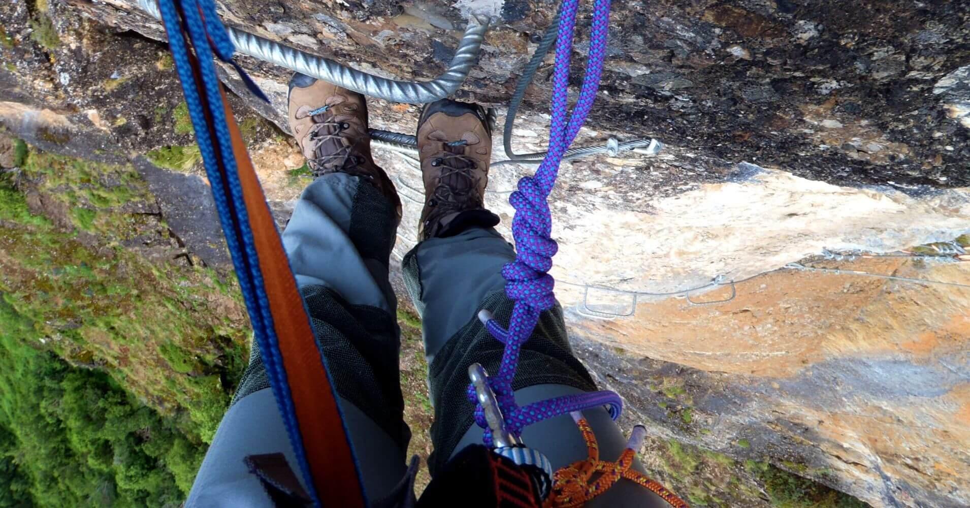 Vertical en la Vía de Los Llanos, Picos de Europa. Cantabria.