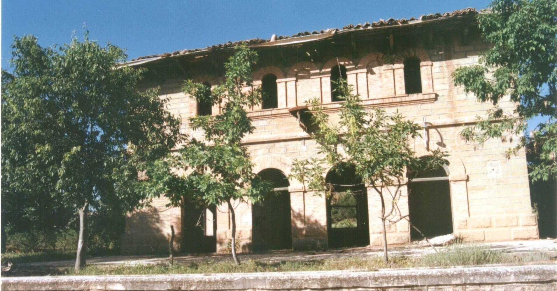 Vía Verde Val de Zafán. Estación Mudéjar de Valdealgorfa. Teruel, Aragón.