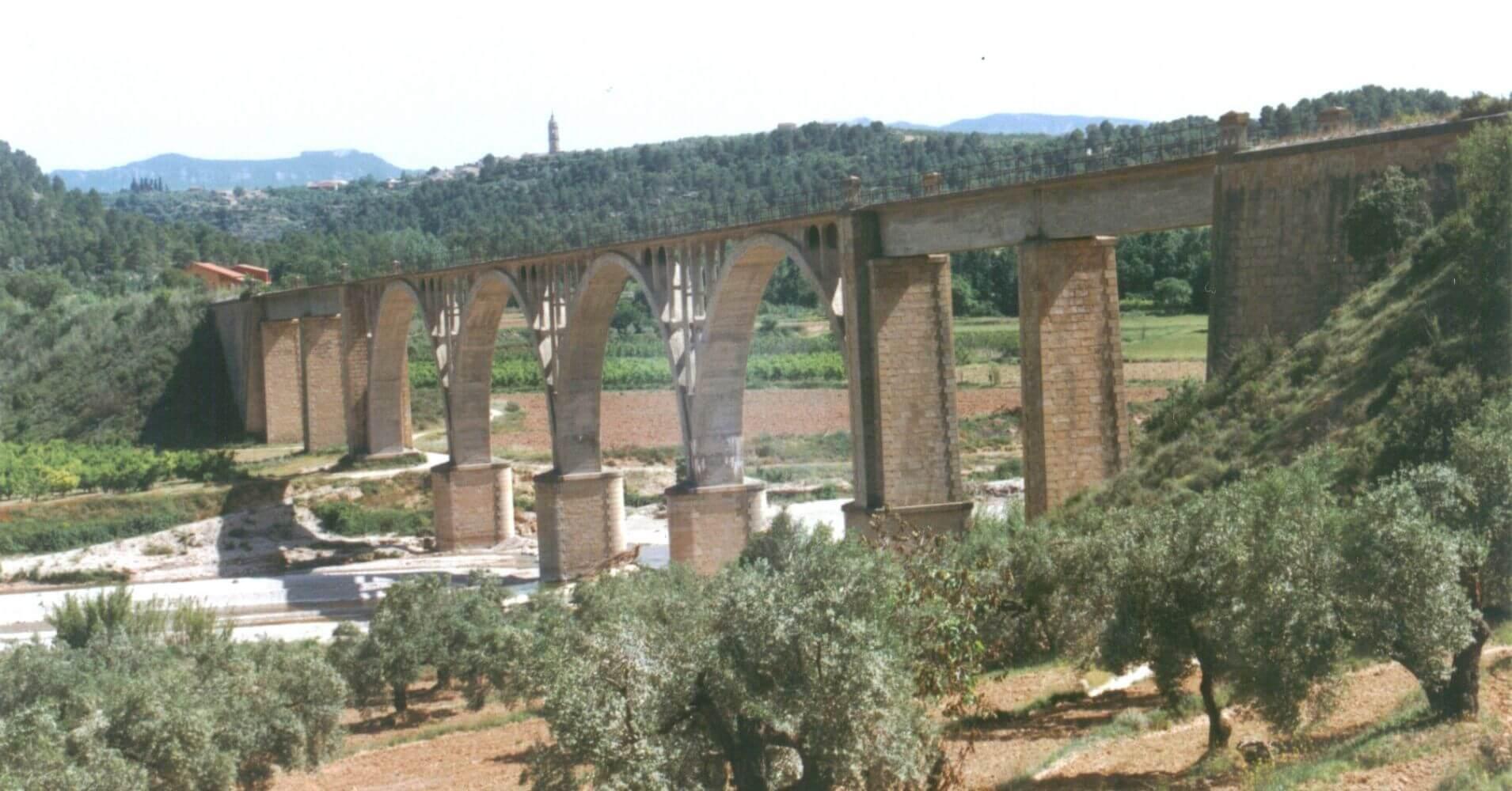 Vía Verde Val de Zafán. Viaducto sobre el Matarraña. Teruel, Aragón.